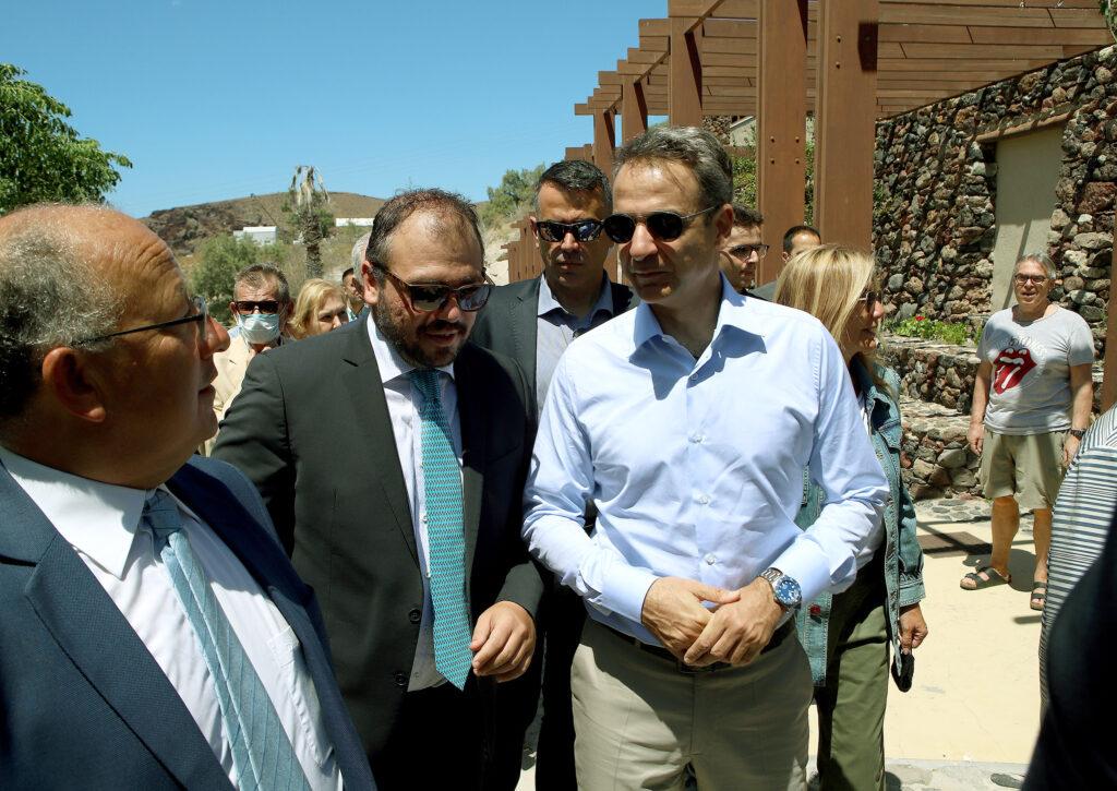 Στη Σαντορίνη με τον Πρωθυπουργό, Κυριάκο Μητσοτάκη, ο Βουλευτής Κυκλάδων Φίλιππος Φόρτωμας