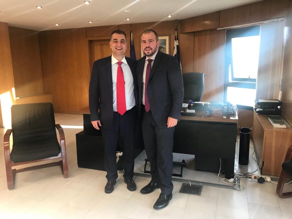 Συνάντηση του Φίλιππου Φόρτωμα με τον πρόεδρο του ΕΚΔΔΑ – Πρωτοβουλία για την επιμόρφωση των δημοσίων υπαλλήλων στις Κυκλάδες